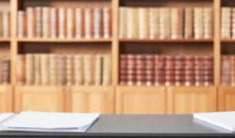 advokater advokatgruppen Horsens jurabøger kontrakter